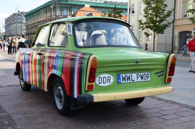 Ein Oldtimer aus der guten alten Zeit: Trabi in Warschau. (Foto: Krökel)
