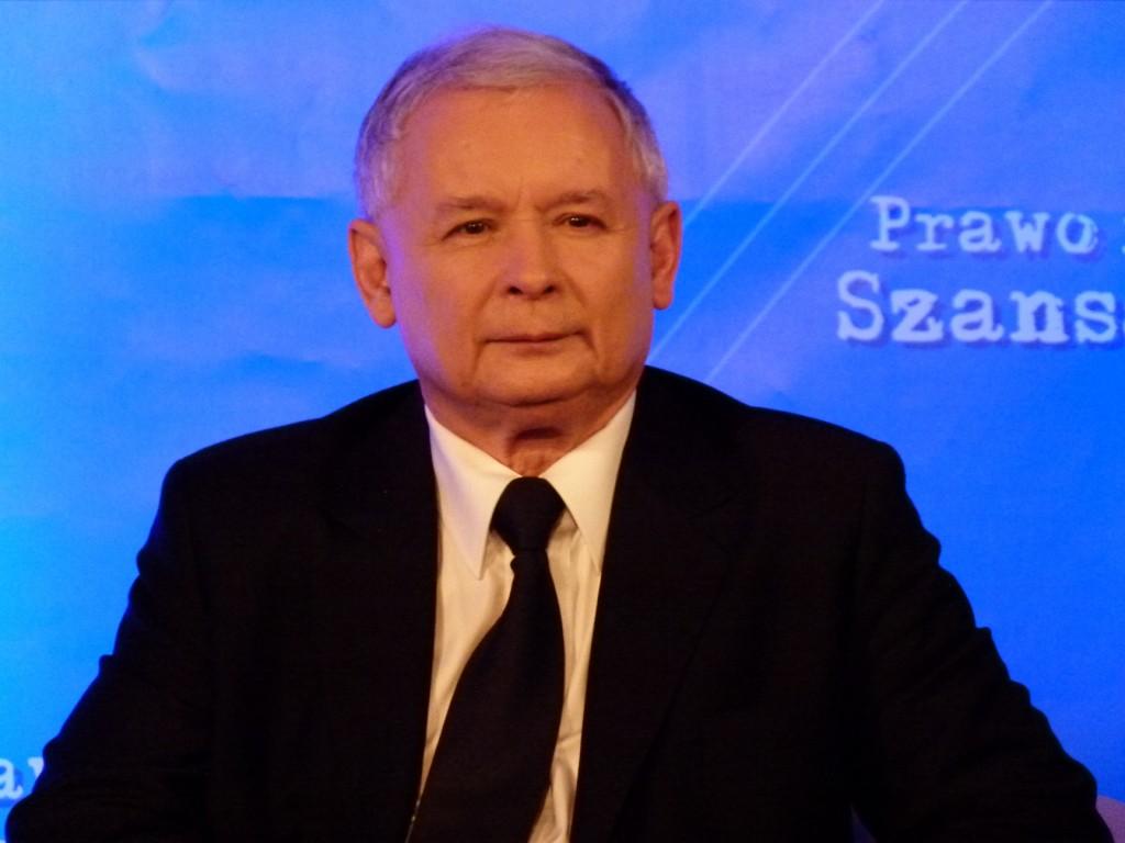 Jaroslaw Kaczynski trägt seit fast drei Jahren Trauer. (Foto: Krökel)