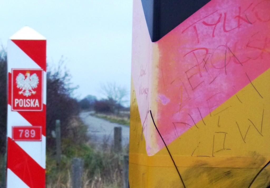 Freie Fahrt im Niemandsland: Ein Stück Europa an der deutsch-polnischen Grenze bei Stettin. (Foto: Krökel)