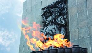 Mahnmal für die Helden des Warschauer Ghettos. (Foto: Jüdisches Museum)