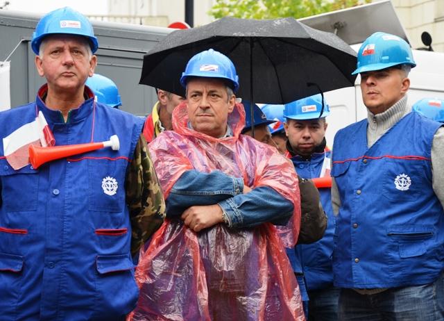 Die schlechte Stimmung bleibt: Arbeiterprotest in Warschau. (Foto: Krökel)