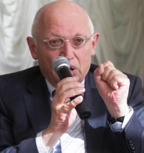 Günter Verheugen (Foto: Setfan Günther/n-ost)