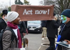 """""""Jetzt handeln!"""" Demonstration von Klimaschützern in Warschau. (Fotos: Krökel)"""