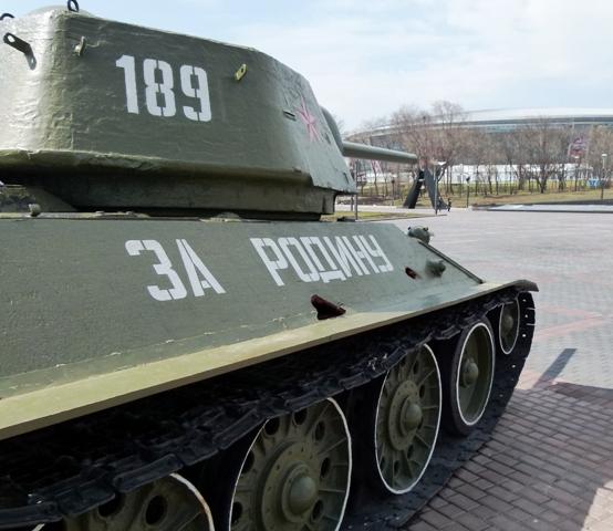Sowjetischer Weltkriegpanzer im ostukrainischen Donezk. Russland droht mit einer Militärinvasion in der Ukraine - und versetzt damit ganz Osteuropa in Angst und Schrecken. (Foto: Krökel)
