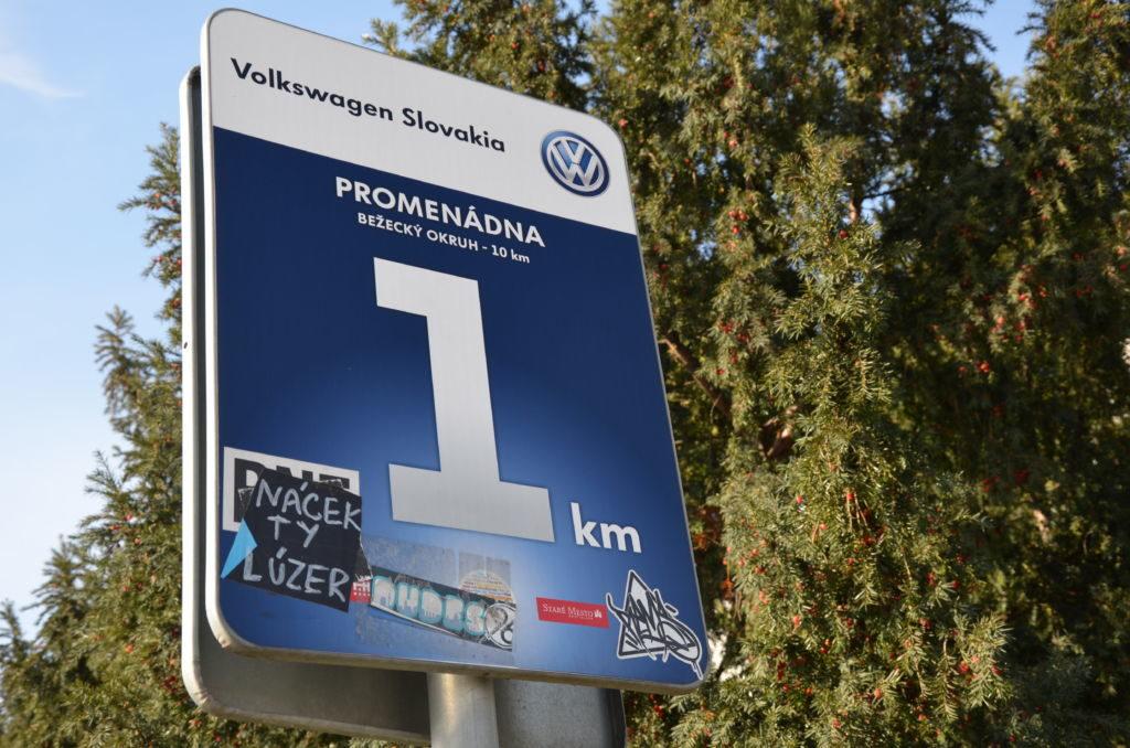 Wirtschaftlich geht es der Slowakei gut. Unter anderem hat der deutsche Autobauer VW viel investiert - und sogar die Promenade an der Donau in Bratislava aufgehübscht.
